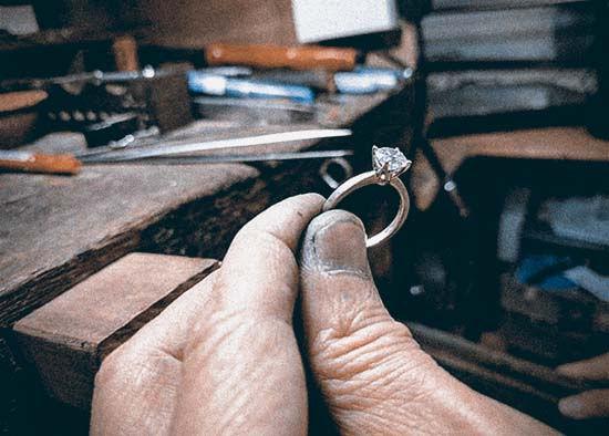 holding_vintage_effect.jpg