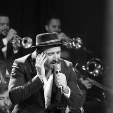 Javier Botella acompañado por su Big Band (La Noche de los Crooners)