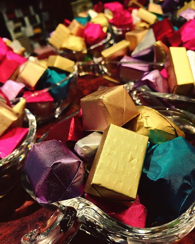 Our beautifully wrapped signature golden chocolate 🎁 #christmas2k16