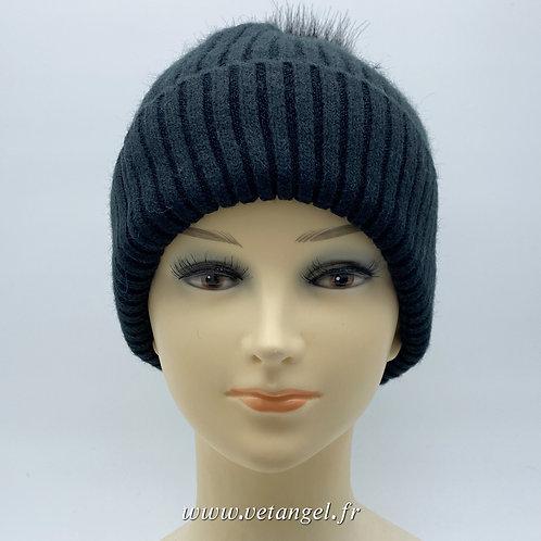 Bonnet fourré avec pompon noir vue de face