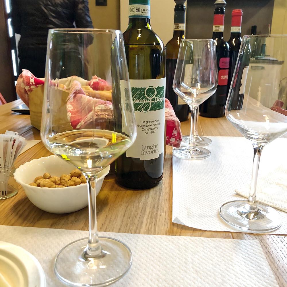 Langhe Favorita wine tasting at Gianni Doglia discovering the rare grape varieties of Piemonte