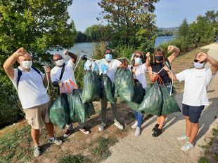 Shangri-La Group Beautifies and Protects The Environment on International Coastal Cleanup Day