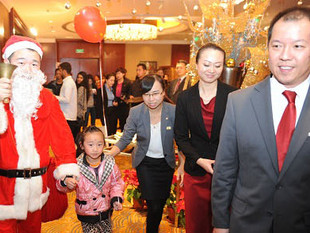 Shangri-La Hotels Deck their Halls with the Gift of CSR