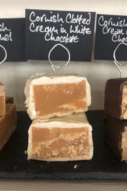 Clotted cream fudge in white chocolate