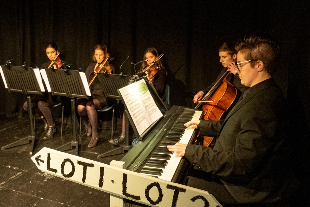 Ellie Bunce & String Quartet