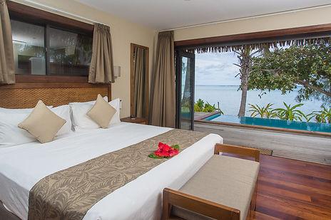 2 Bedroom Beachfront bedroom.jpg