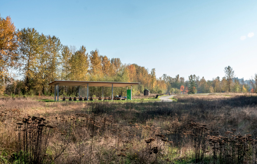 surrey+bend+shelter+and+meadow+in+fall.j