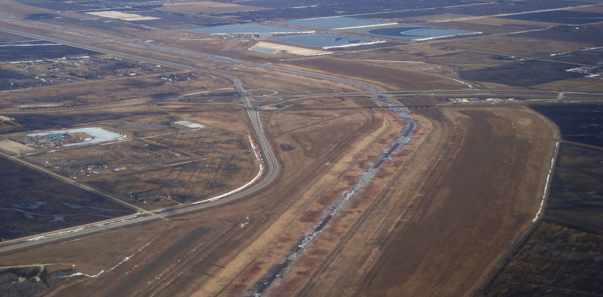 Red_River_Floodway_from_the_air.JPG