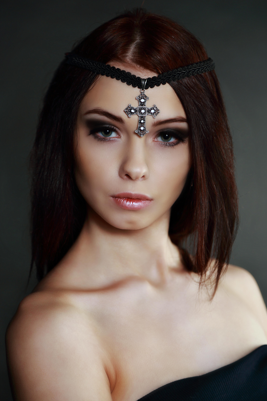 Модель: Елена
