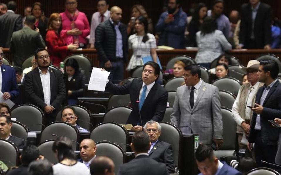 Gobernistas votan la reelección de diputados y senadores en México aprovechando la crisis sanitária
