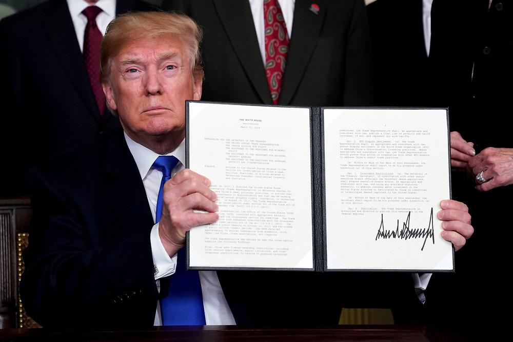 """Trump muestra la """"lista negra"""" de países con mayor producción y transito de droga"""
