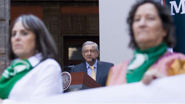 El presidente López Obrador habla en el encuentro Mujeres Transformando México, el 8 de marzo de 2019