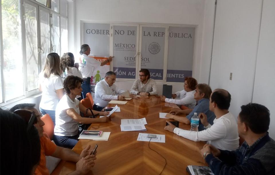 Representantes del FNF dialogan en aguscalientes con un representante de Sedesol el 26/02/18