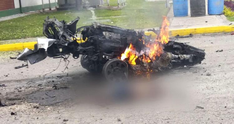 Lo que restó del carro bomba