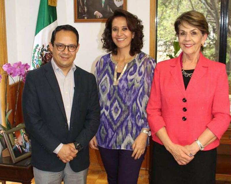 La titular del Indesol, Leticia Montemayor, con el presidente del FNF, luego de un diálogo el 26/02/18