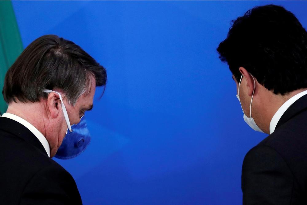 O presidente Jair Bolsonaro ao lado do ministro Mandetta