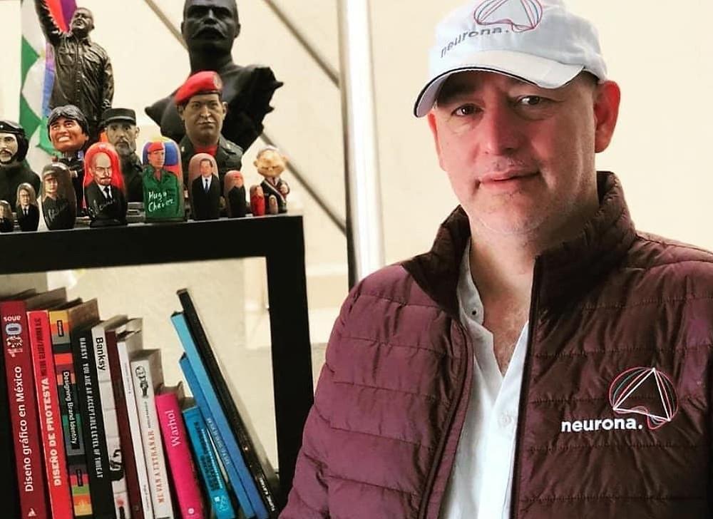 César Hernández Paredes en foto publicada en su perfil de Facebook