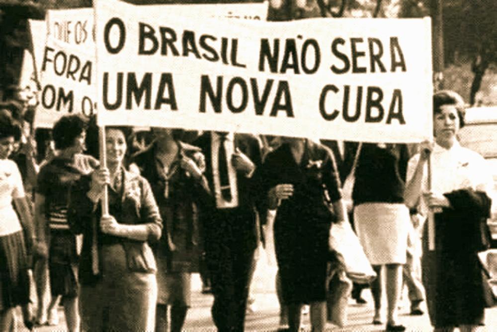 De esquerda a direita, os ministros Ricardo Vélez, de Educação; Damares Alves, de Direitos Humanos; e Ernesto Araújo, de Relações Exteriores