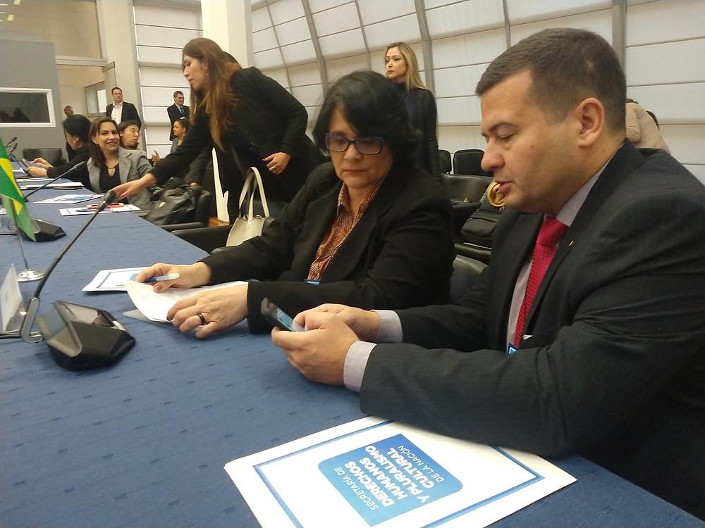 La ministra Damares Alves en la RAADH del Mercosur en Argentina este 30 de mayo