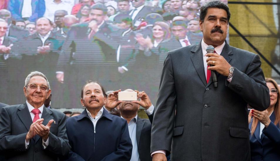 Castro, Ortega y Maduro en una reunión del ALBA en 2018