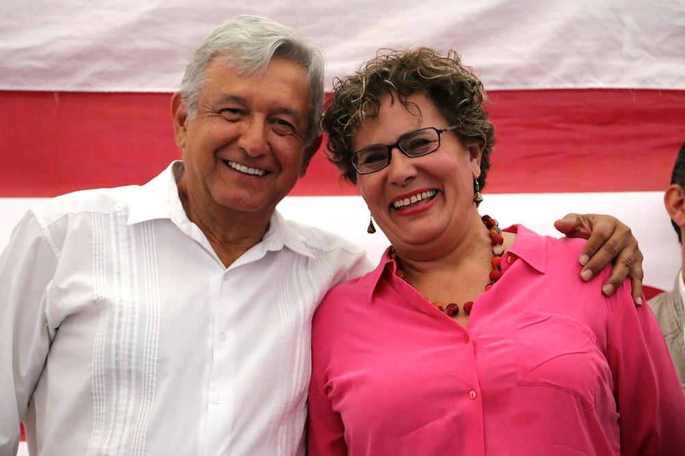 El presidente López Obrador y Bertha Elena Luján Uranga