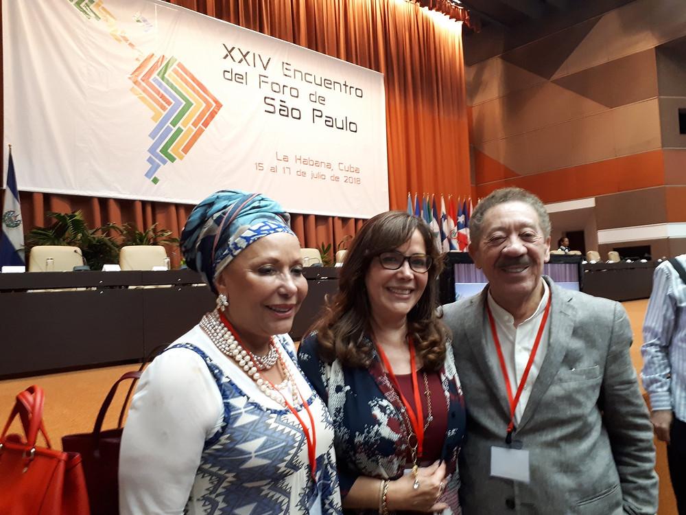 Piedad Cordoba, Yeidckol Polevnsky y Héctor Díaz Polanco en La Habana, en la inauguración de la reunión anual del Foro de Sao Paulo en 15/07/18