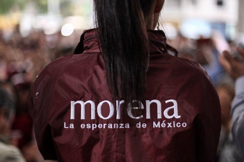 Una militante del partido Morena