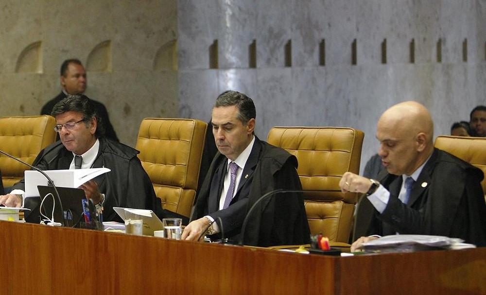 De izquierda a derecha, los ministros Fux, Barroso y De Morais