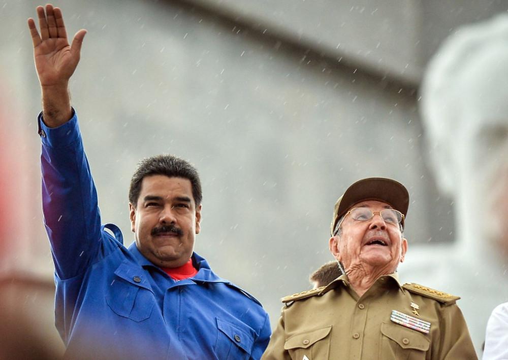 Maduro y Raul Castro en Cuba, 2015