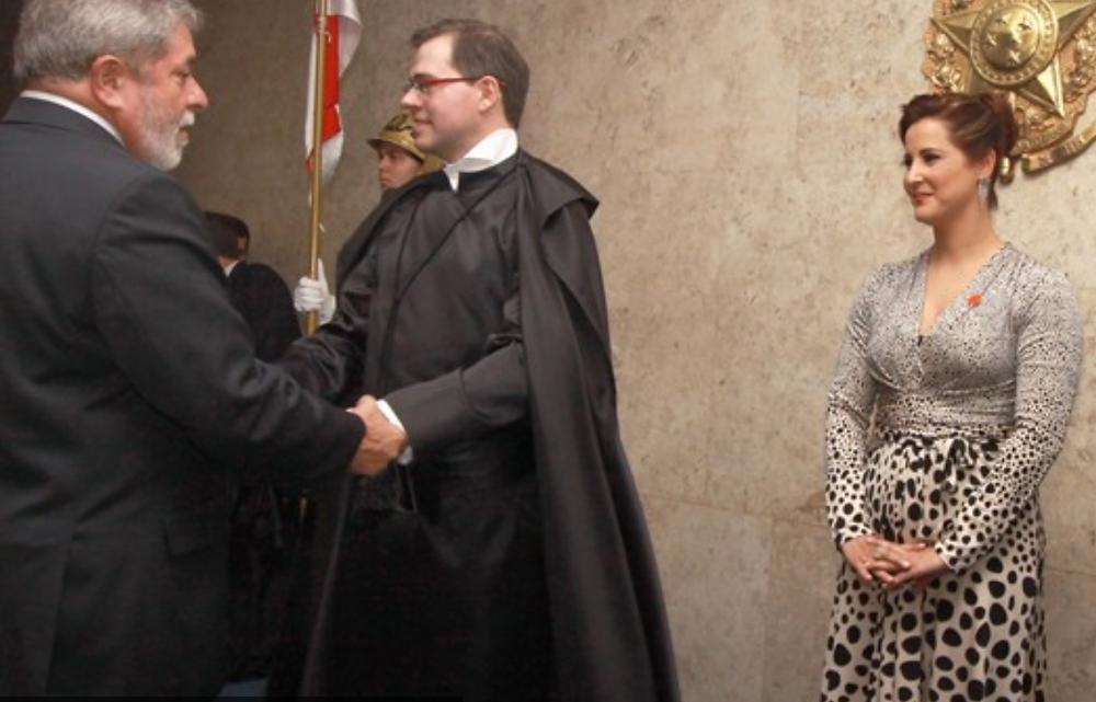 Tofolli e sua esposa, Roberta Rangel, com Lula na posse do ministro em 2013