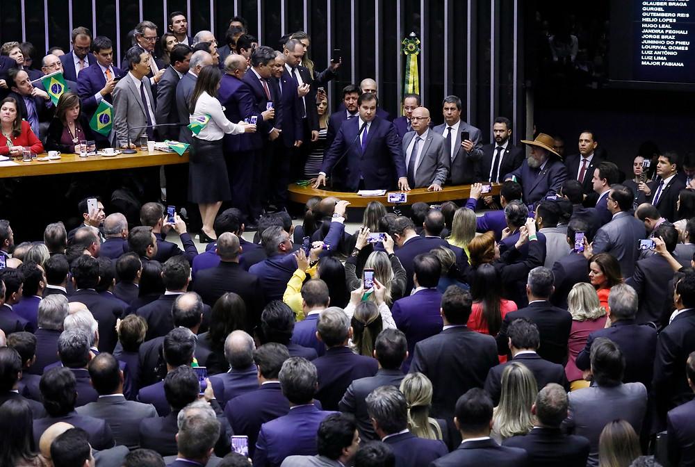 Parlamentares na votação da Reforma da Previdência na Câmara de Deputados neste 10 de julho