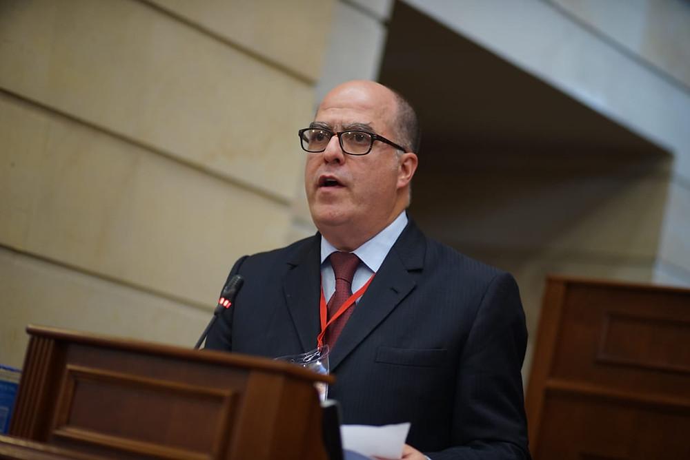 El venezolano Julio Borges en la III Cumbre Transatlántica realizada em Bogotá