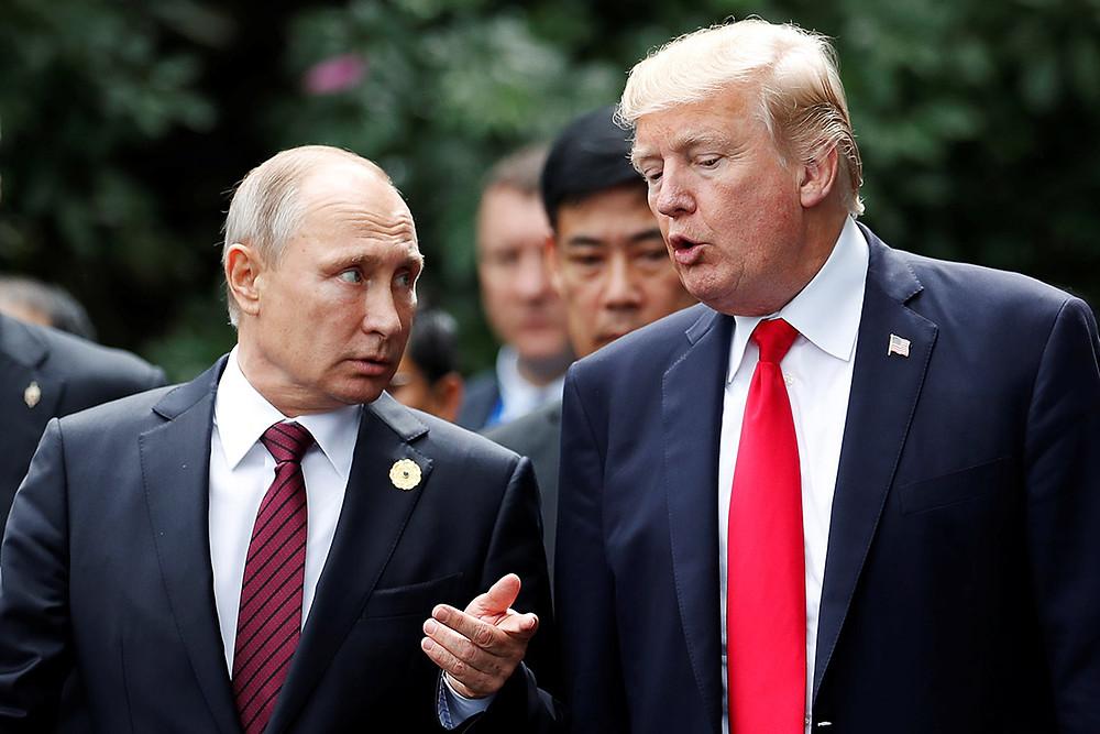 Vladimir Putin, presidente de Rusia, a la izquierda, y Donald Trump, presidente de Estados Unidos, a la derecha