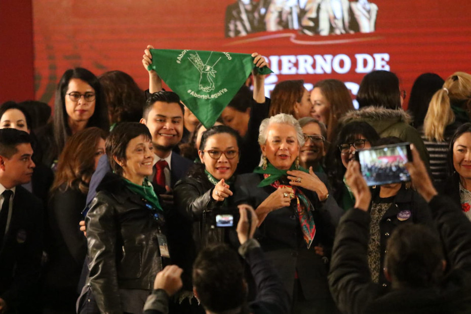 La secretaria de Gobernación, Olga Sánchez Cordero y las 'verdes', en noviembre del año pasado