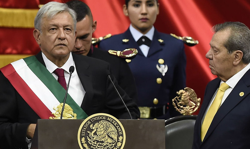 Andrés Manuel López Obrador, el nuevo presidente de México; Porfirio Muñoz Ledo, a su lado.