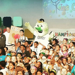 _sugarlandskeeters mascot, Swatson, waking our kids up this morning! #camp #ckc