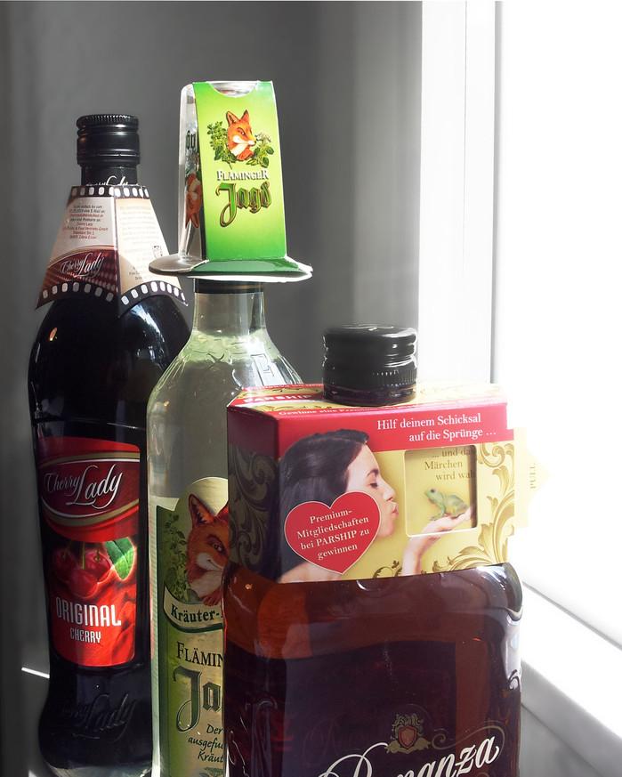 POS Maßnahmen // Cherry Lady // Fläminger Jagd // Romanza Amaretto // Flaschenanhänger, Flaschenaufs