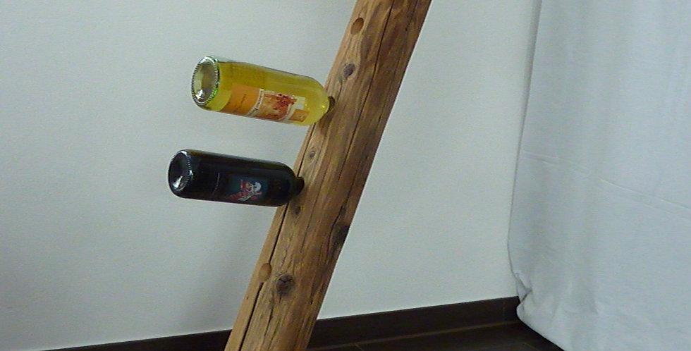 Weinständer für sieben Flaschen