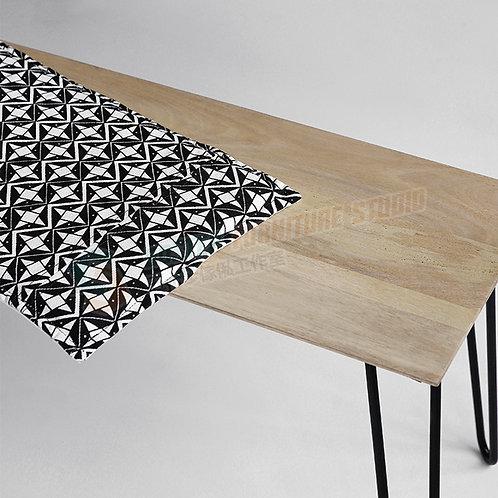 全新新西蘭進口松木鐵藝餐椅長櫈 Brand New bench