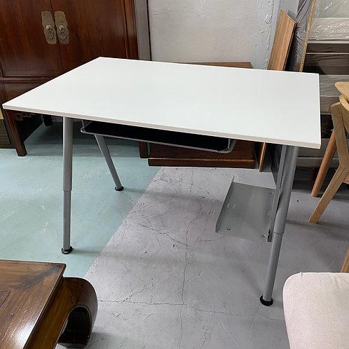 八成新白色升降書檯電腦檯+電腦座+電線架+鍵盤架 Desk sit/stand, white