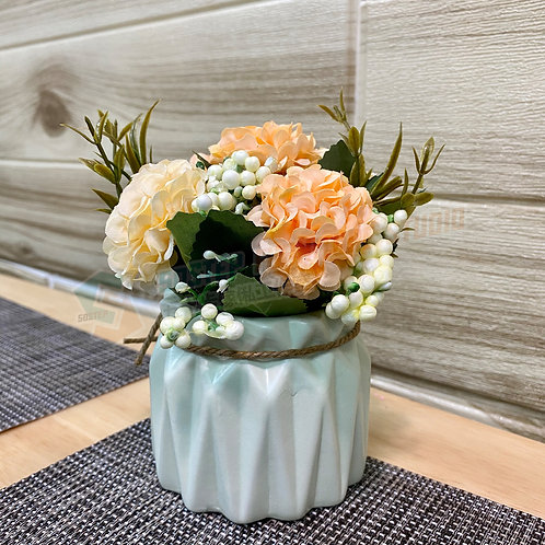 全新人造盆栽繡花球 Brand New artificial potted plant
