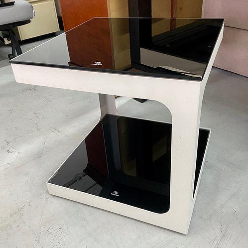 八成新鏡面茶几 2-hand coffee table, glass