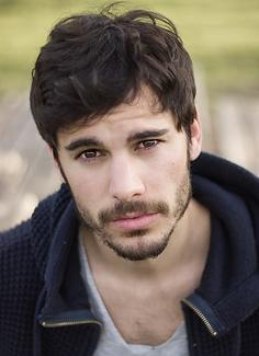 Adrián Expósito.png