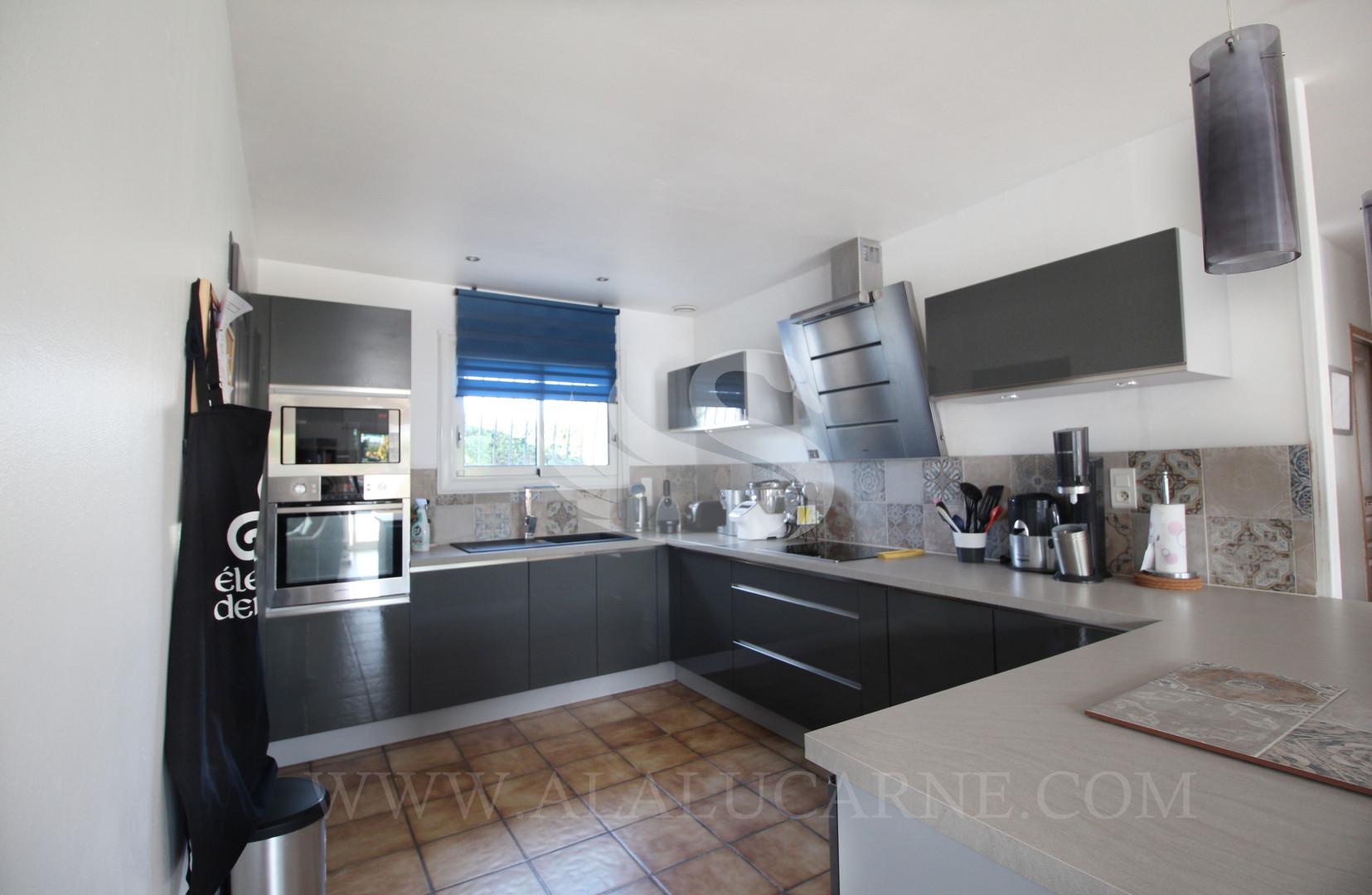 A_vendre_maison_avec_cuisine_ouverte_sur