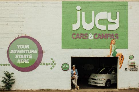 Melbourne, chez Jucy Cars. Nous prenons possession de notre Van.