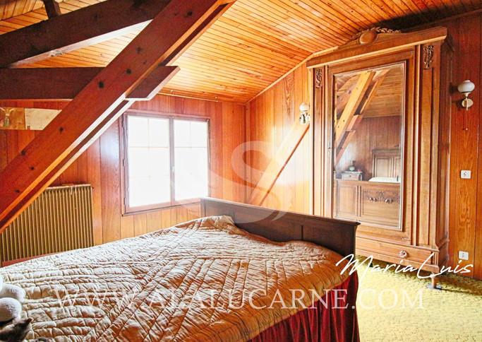 11.A vendre maison de 230 m² avec 6 cham