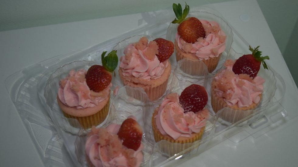 12 Strawberry Cupcakes