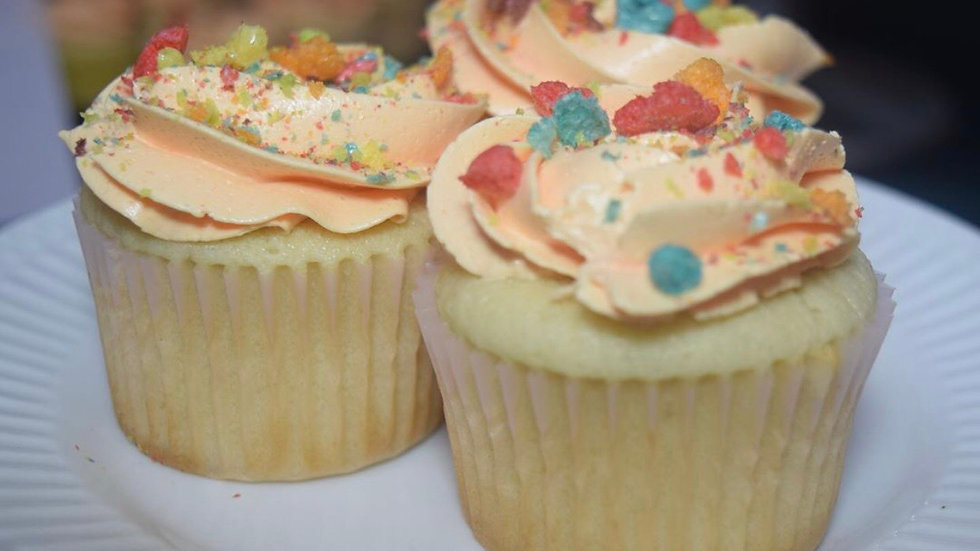 6 Lucky Charms Cupcakes