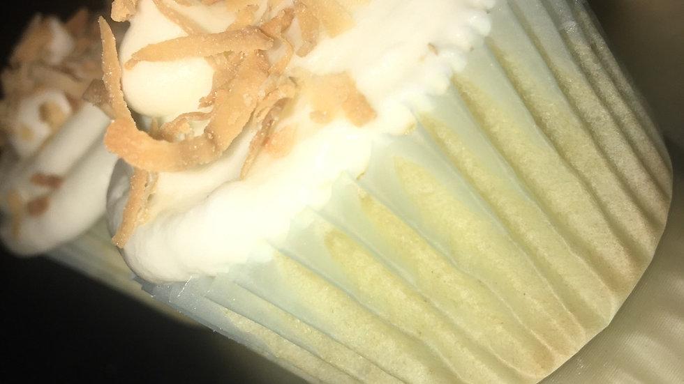 12 Coconut Cupcakes