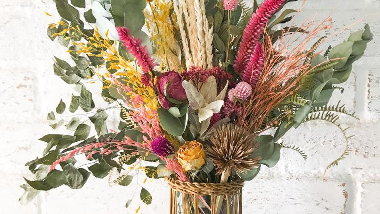 vaso vime + flores secas lea
